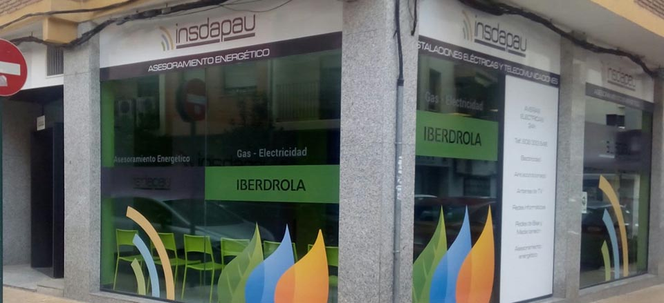 Iberdrola abre un nuevo punto de atenci n al cliente en l for Iberdrola horario oficinas